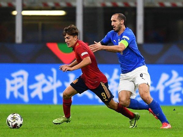 Giorgio Chiellini sebut Italia akan berkembang karena kekalahan kontra Spanyol.