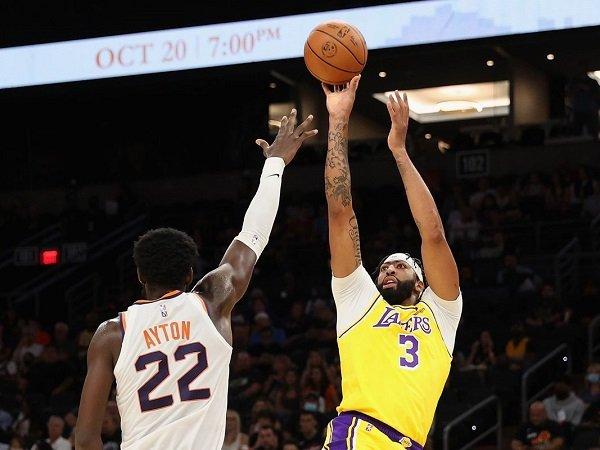 Los Angeles Lakers takluk di tangan Phoenix Suns.