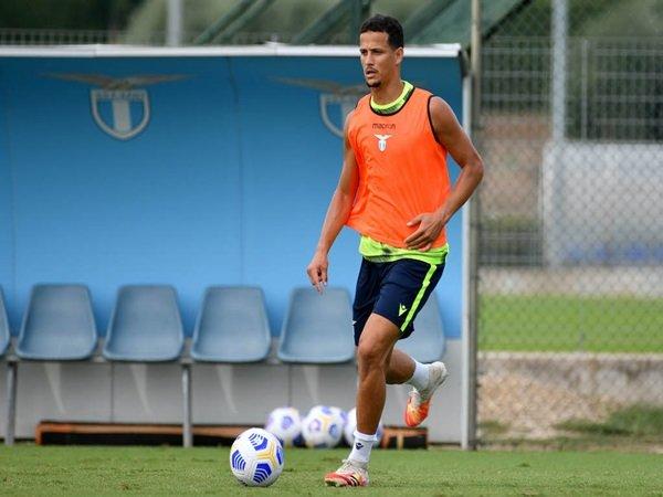 Atletico Madrid incar Luiz Felipe