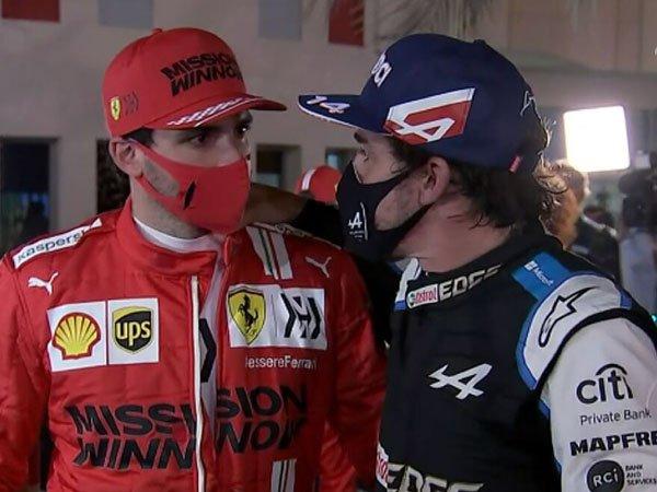 Carlos Sainz dan Fernando Alonso
