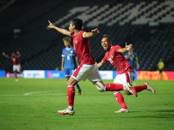Gelandang timnas Indonesia, Evan Dimas merayakan gol ke gawang Taiwan