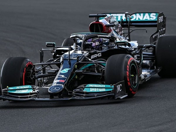 Lewis Hamilton belum terbendung di FP2 GP Turki.