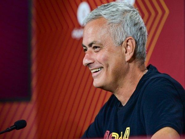 Jose Mourinho / via Getty Images