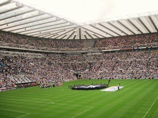 Newcastle vs Totttenham ludes terjual