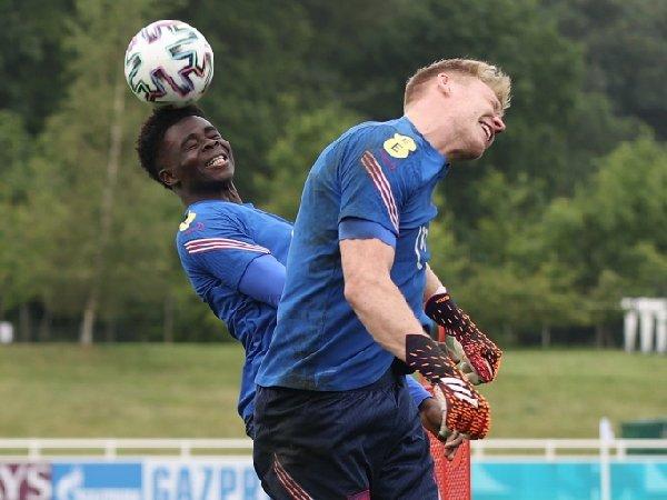 Aaron Ramsdale dan Bukayo Saka bermain bersama di tim nasional Inggris