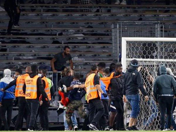 Angers didenda, Lens, Lille dan Marseille terancam pengurangan poin jika pendukungnya rusuh lagi