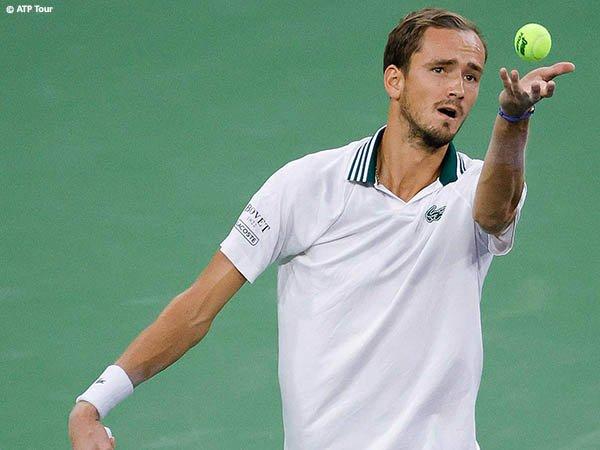 Daniil Medvedev meluncur ke babak ketiga di Indian Wells musim 2021 tanpa drama