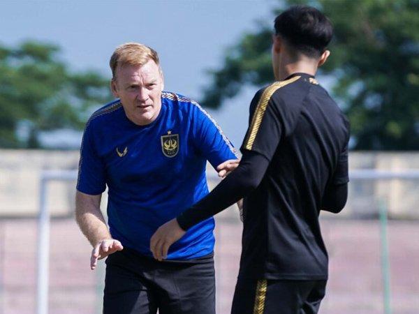 Pelatih PSIS Semarang, Ian Andrew Gillan