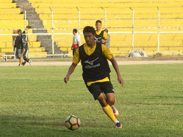Gelandang Semen Padang FC, Manda Cingi
