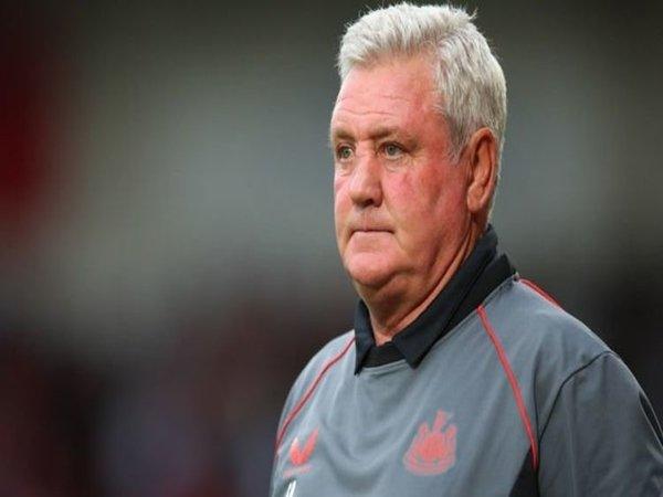 Steve Bruce dikabarkan bakal segera dipecat oleh manajemen baru Newcastle yang saat ini dikuasai oleh Pangeran Mohammed bin Salman / via Getty Images