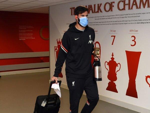 Liverpool Punya Tiga Rekomendasi Kiper Sebelum Alisson Datang