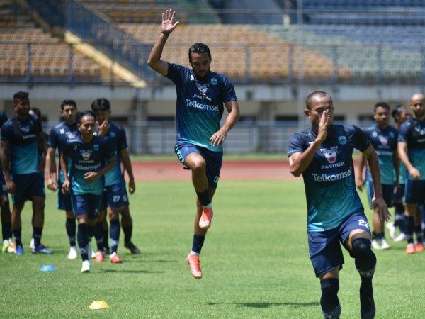 Robert Rene Alberts menyiapkan 24 pemain ke Yogyakarta