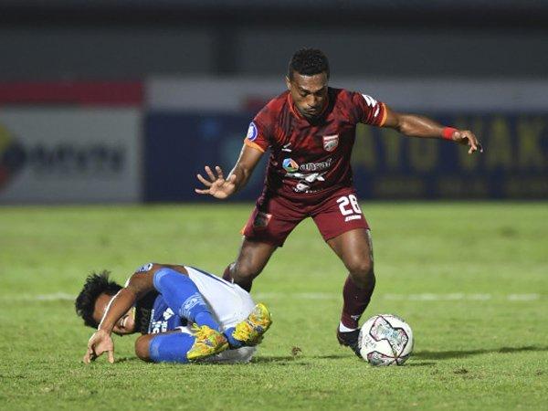 Winger andalan Borneo FC, Terens Puhiri