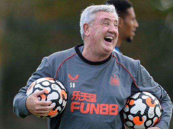 Bruce Tetap Pimpin Latihan Newcastle Meski Masa Depannya Tidak Jelas
