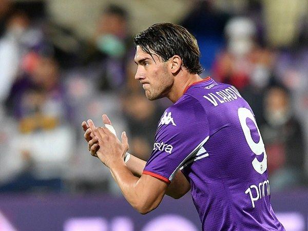 Presiden Fiorentina akan temui Dusan Vlahovic sekali lagi.