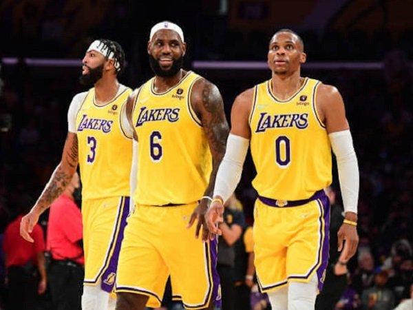 Trio anyar Lakers, LeBron James, Anthony Davis, dan Russell Westbrook melakukan debut. (Images: Getty)