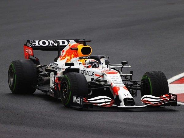 Mika Hakkinen nilai Red Bull tertinggal cukup jauh dari Mercedes di GP Turki.