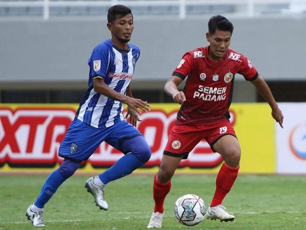 Semen Padang FC kala menghadapi PSPS Riau di pertandingan pertama Liga 2 2021