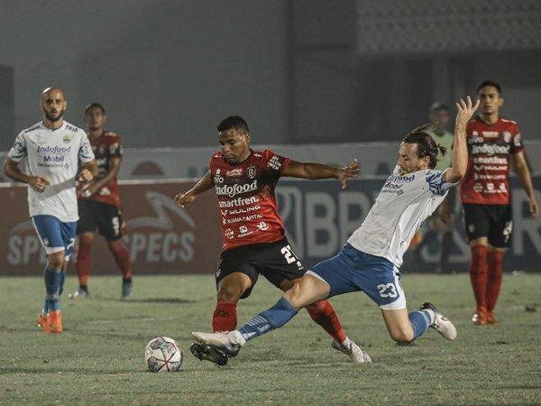 Gelandang asing Bali United, Eber Bessa
