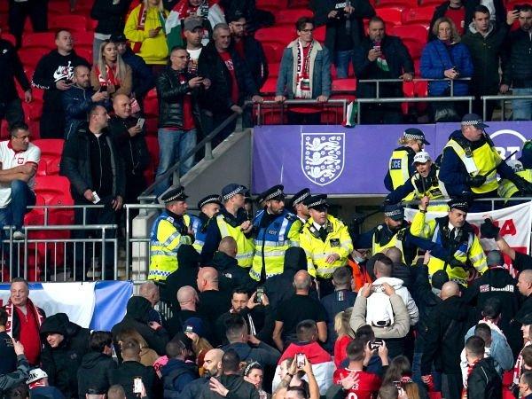 FIFA 'Sangat Mengutuk' Masalah Penonton di Pertandingan Inggris vs Hungaria