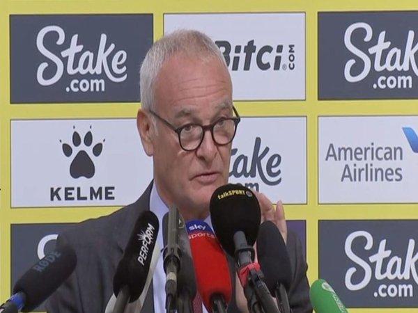 Claudio Ranieri melakukan sesi konferensi pers perdananya sebagai manajer Watford / via Sky Sports
