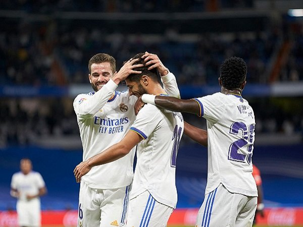 Laga Real Madrid dan Atletico Madrid ditunda La Liga.